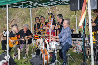 Musical performance by Robbie Grieg and David Johnston with impromptu guests from The Mullum Mullum Choir Photo: Barbara Oehring
